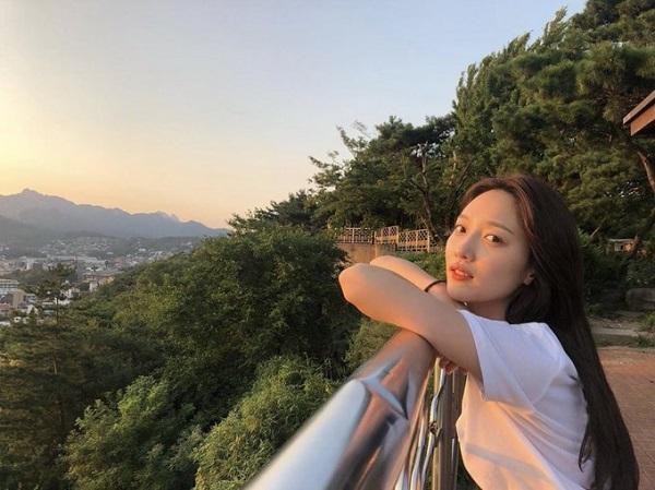 Vẻ đẹp trong trẻo, nhẹ nhàng của nữ diễn viên Pyo Ye Jin.