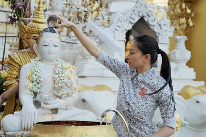 Loạt sao Việt khoác áo nâu, quy y cửa Phật 11