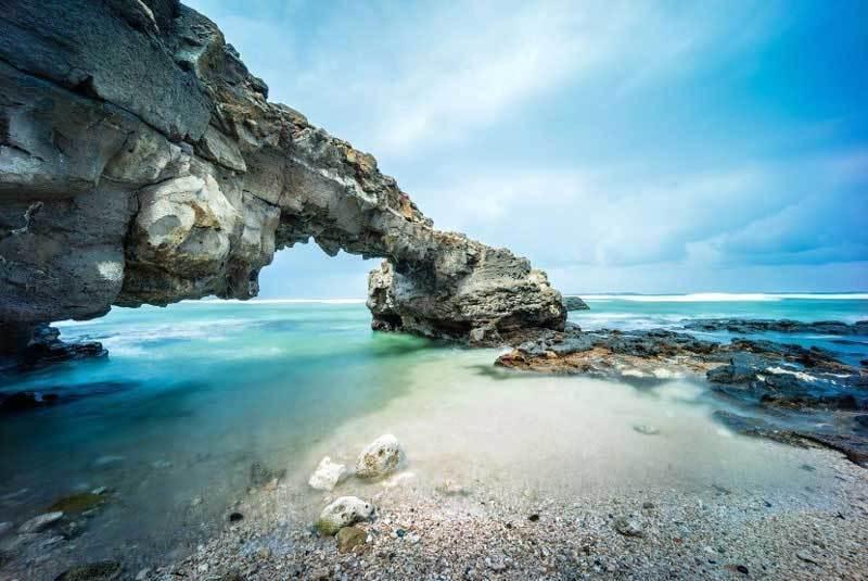 Đảo Lý Sơn trực thuộc tỉnh Quảng Ngãi và được các tín đồ du lịch khen truyền tai nhau là 'Thiên đường giữa biển khơi'