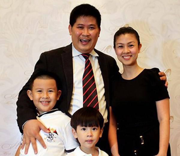 Gia đình Phước Sang nhiều năm trước.