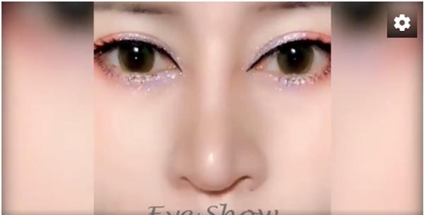 Kẻ eyeliner 'sắc lẹm' trở nên dễ dàng hơn khi bạn sử dụng một chiếc nhíp cố định hai hốc mắt. Tuy hơi đau một tí nhưng mọi cố gắng cũng sẽ được đền đáp xứng đáng nhỉ?