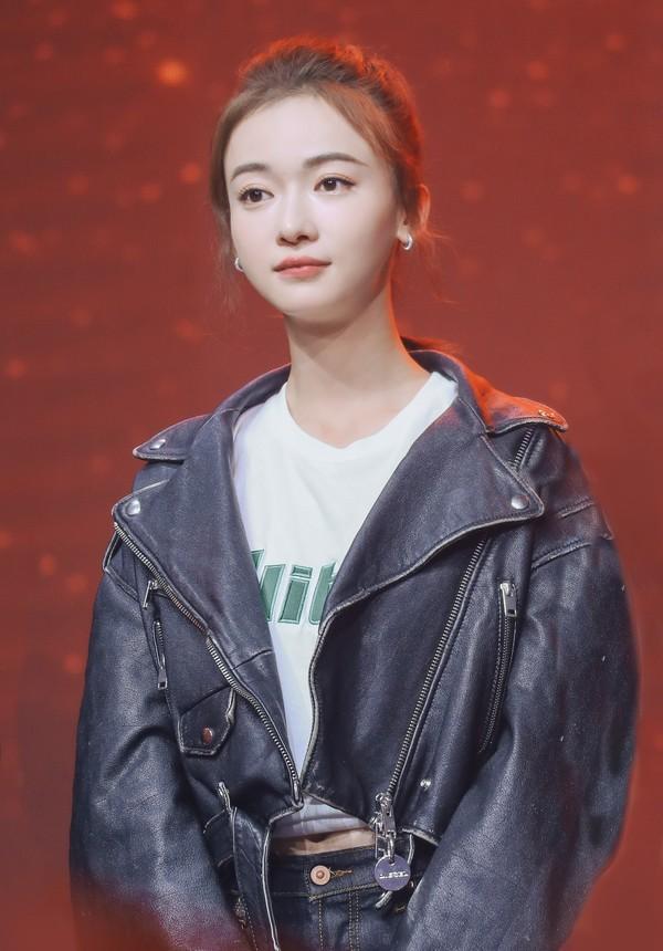 Ai diễn 'lố' nhất màn ảnh nhỏ Hoa ngữ 2019, Angelababy và Ngô Cẩn Ngôn một chín một mười? 0