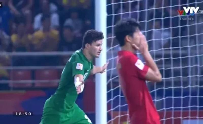 U23 Thái Lan thủng lưới trên chấm 11m