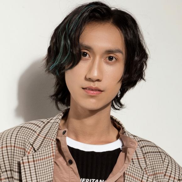 Gương mặt khác lạ như hotboy Trung Quốc, 'thánh cover' Lynk Lee phẫu thuật thẩm mỹ? 5
