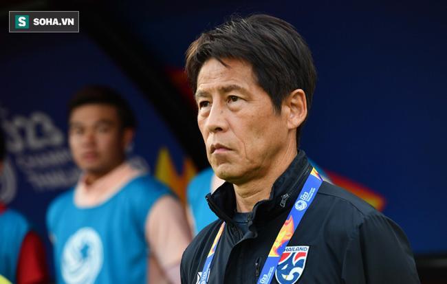 HLV Nishino 'phản ứng lạ' sau khi Thái Lan bị loại vì VAR và trọng tài 0