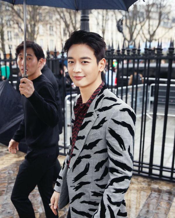 Không hổ danh là 'vườn bông xuất sắc', dàn idol nhà SM nhiều lần tỏa sáng tại các tuần lễ thời trang quốc tế 12
