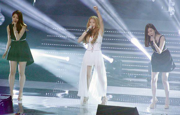Hồ Quỳnh Hương và nhóm nhạc Davichi
