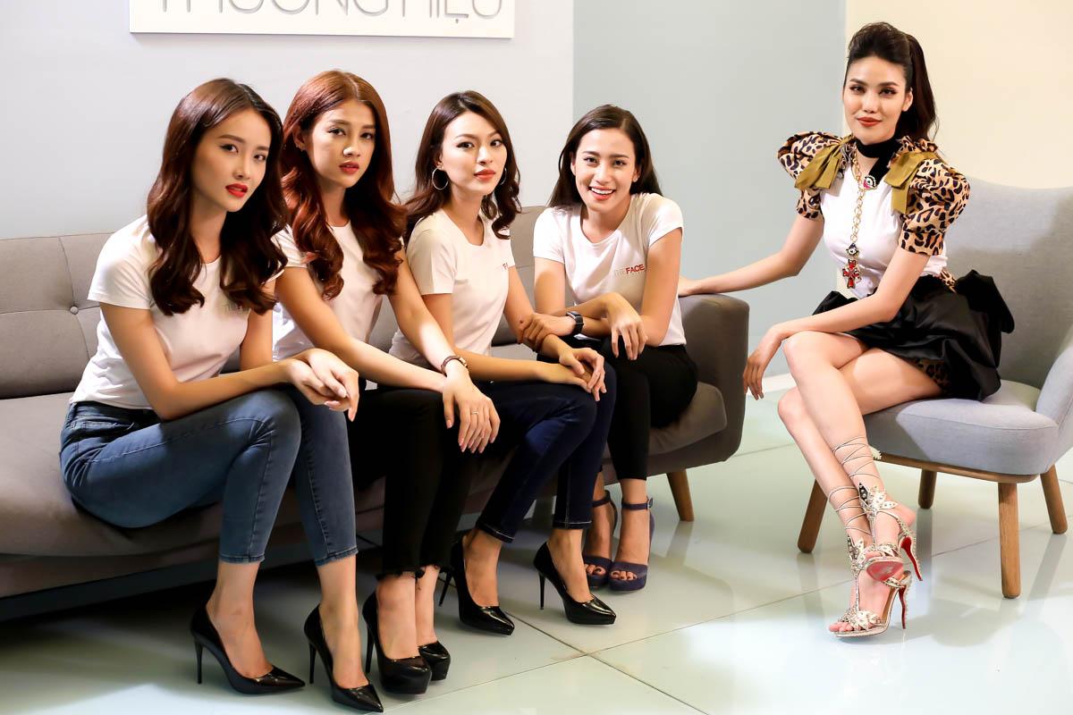 Đội của Lan Khuê tại The Face 2017. Trong chung kết, thí sinh Nguyễn Bạch Tú Hảo của đội Lan Khuê giành chiến thắng