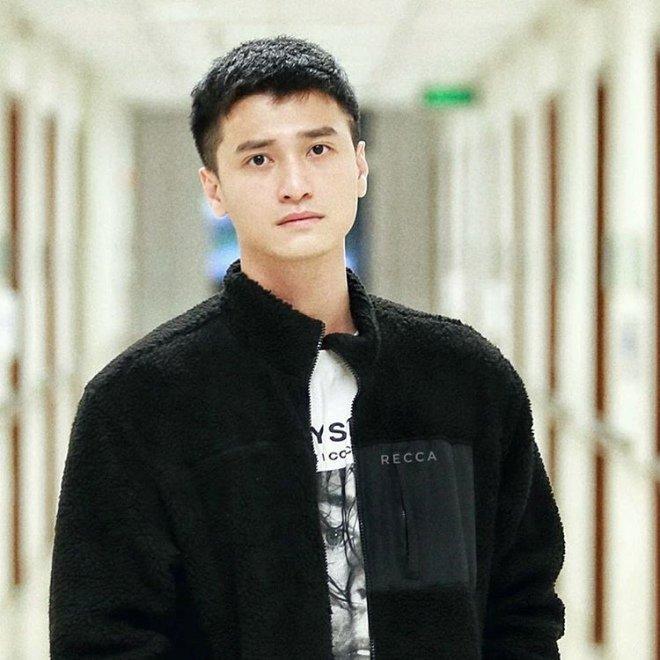 Huỳnh Anh là nam diễn viên điển trai của màn ảnh Việt Nam, anh được ví như 'Lee Min Ho Việt Nam'.