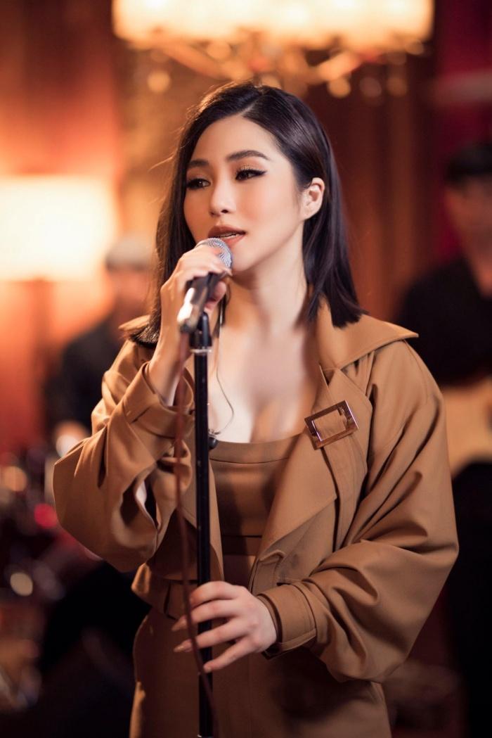 Đi du học, Hương Tràm vẫn tranh thủ làm mới lại bản hit 'Ra là em đâu quá mong manh' 0