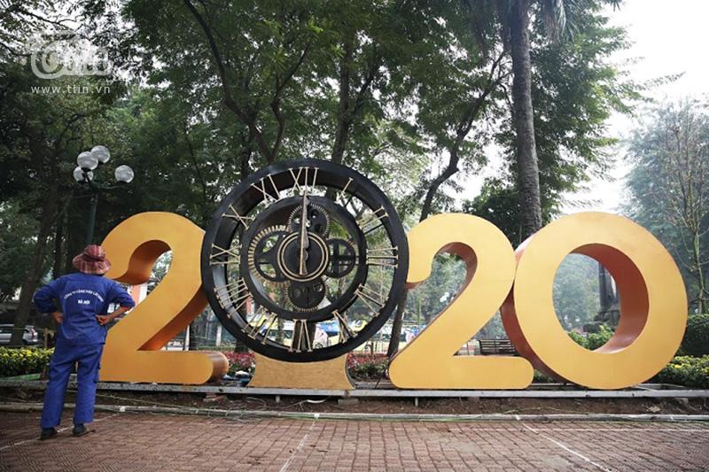 Việc trang trí khu vực công viên cho Tết Canh Tý đã được hoàn tất