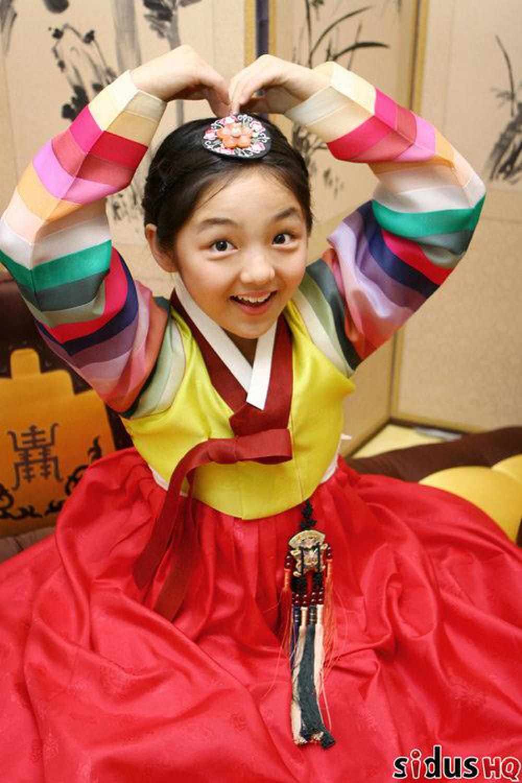 Seo Shin Ae dễ thương lúc bé