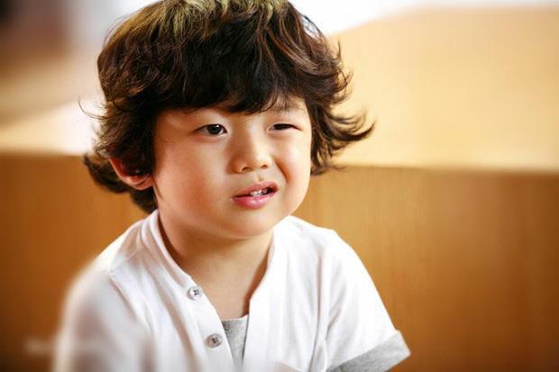 Điệu cười thương hiệu của Wang Suk Hyun