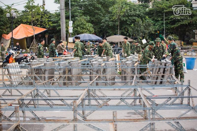 Cận cảnh 'trận địa pháo' sẵn sàng cho đêm giao thừa rực rỡ tại Thủ đô 7