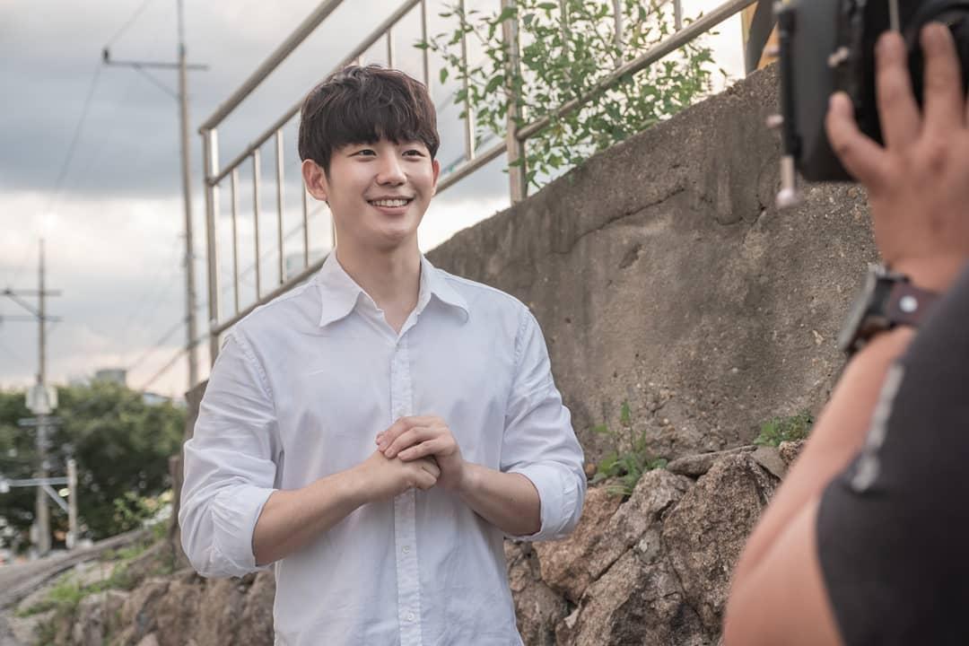 Jung Hae In - chàng trai có nụ cười tỏa sáng nhất Hàn Quốc, ngày càng thành công nhưng 3 phim gần đây chỉ có 1 kiểu nhân vật 19