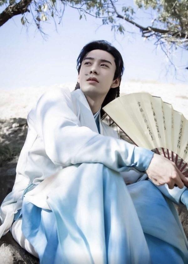 Đâu là gương mặt nam diễn viên nổi bật của màn ảnh Hoa ngữ năm 2019? 5