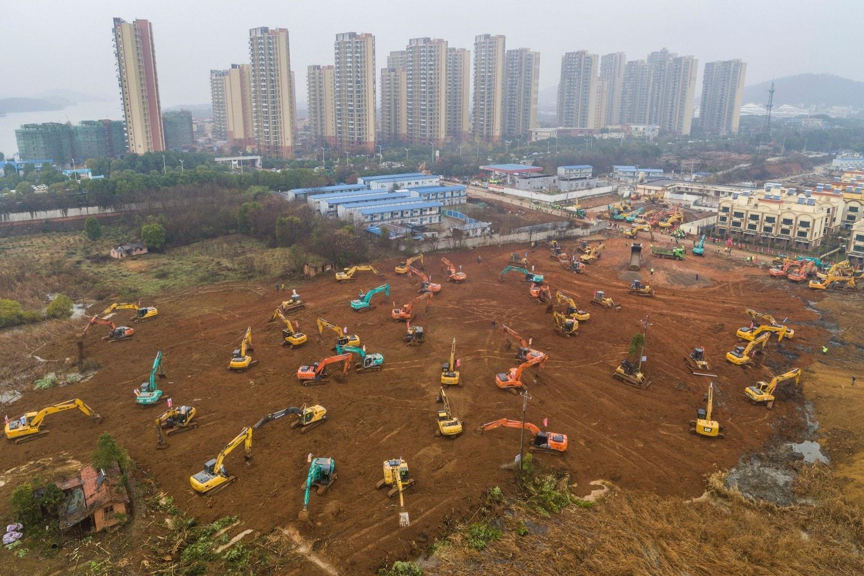 Bệnh viện dã chiến được xây dựng ở ngoại ô Vũ Hán. Ảnh: Getty