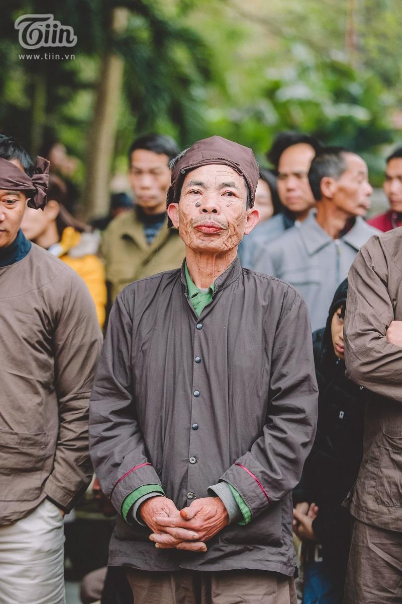 Độc đáo lễ hội trâu rơm bò rạ mùng 4 Tết, trai làng giả gái xuống đồng gieo hạt đầu năm 12