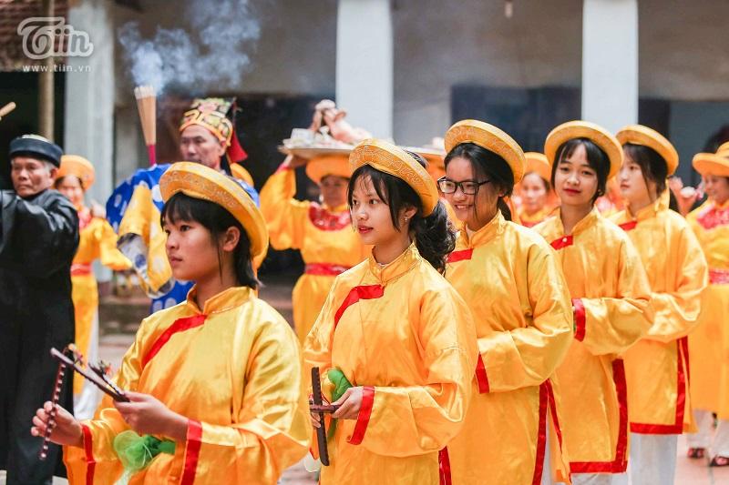 Độc đáo lễ hội trâu rơm bò rạ mùng 4 Tết, trai làng giả gái xuống đồng gieo hạt đầu năm 3