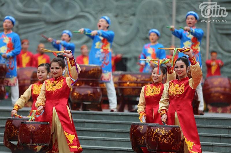Lễ hội gò Đống Đa: Hàng nghìn du khách tế lễ, dâng hương 12