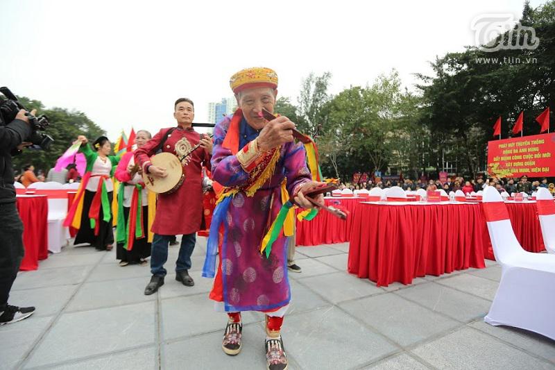Lễ hội gò Đống Đa: Hàng nghìn du khách tế lễ, dâng hương 8