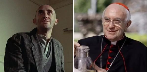 Vai diễn đầu đời của Jonathan Pryce thuộc về bộ phim Voyage of the Damned (1976). 44 năm sau, ông có cơ hội chiến thắng giải thưởng của Viện Hàn lâm khi hóa thân thành Giáo hoàng trong The Two Popes.