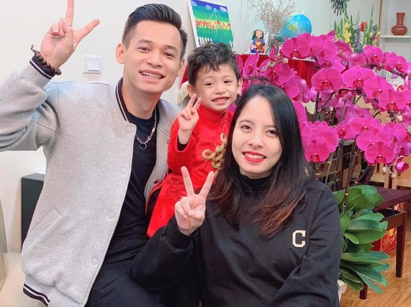 Gia đình nhỏ hạnh phúccủa Độ Mixi