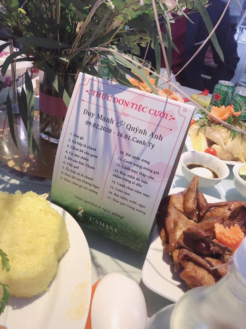 Thực đơn cỗ cưới Duy Mạnh: 17 món, gà - cá - chim - hải sản đủ cả, khách đến ăn khéo phải 'mang bao tải' đựng về 1
