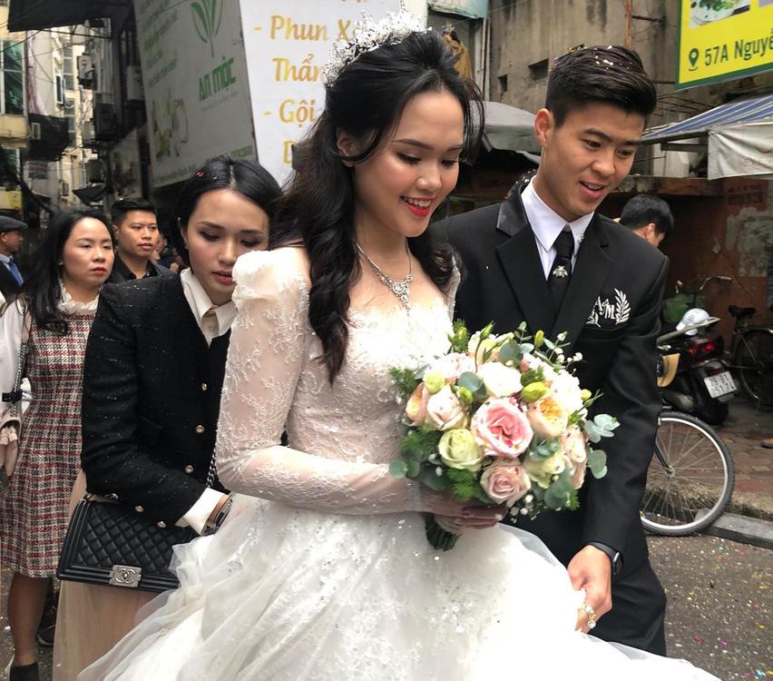 Cặp đôi Duy Mạnh - Quỳnh Anh trong đám cưới sáng nay