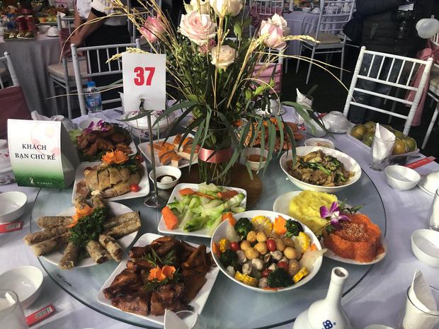 Cận cảnh bàn tiệc trong đám cưới Duy Mạnh - Quỳnh Anh