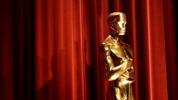 Lại là một năm Oscar thiếu vắng bóng dáng host.