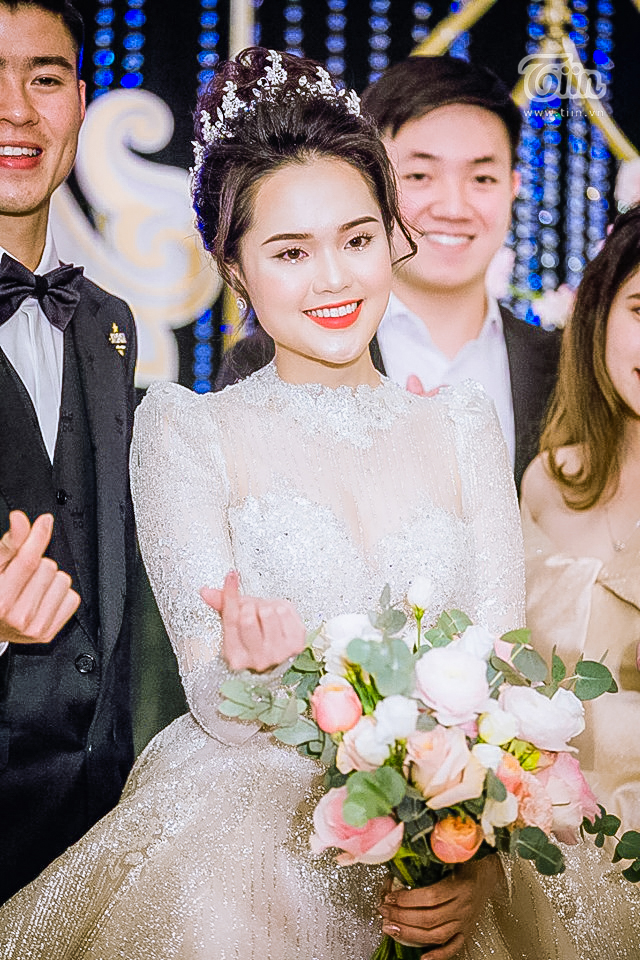Sau lần 'trang điểm sương sương' tai hại, thợ make-up đã sửa sai giúp Quỳnh Anh trở thành công chúa thật sự 14