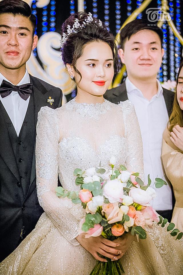 Sau lần 'trang điểm sương sương' tai hại, thợ make-up đã sửa sai giúp Quỳnh Anh trở thành công chúa thật sự 15