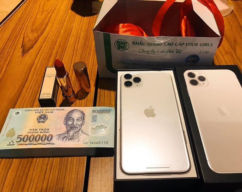 Tổng giá trị quà tặng lên tới hàngchục triệu.