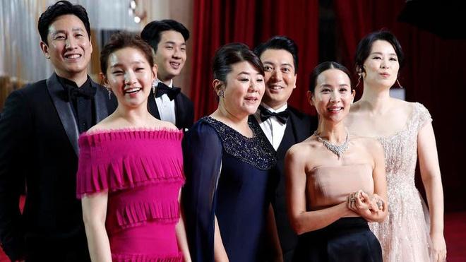 Dàn diễn viên Ký sinh trùng đổ bộ lễ trao giải Oscar 2020.
