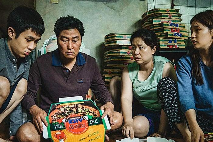 Đạo diễn Bong Joon Ho tiết lộ chi phí nội thất đắt đỏ được sử dụng trong Parasite 1