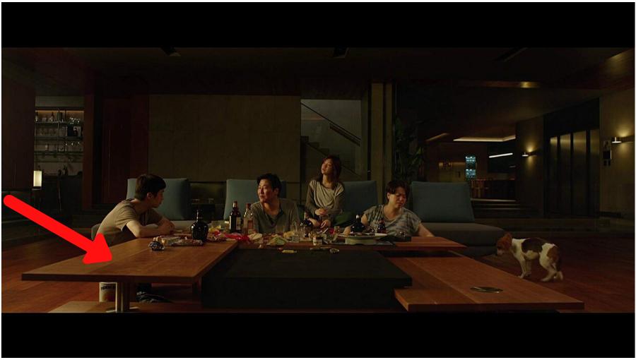 Đạo diễn Bong Joon Ho tiết lộ chi phí nội thất đắt đỏ được sử dụng trong Parasite 6