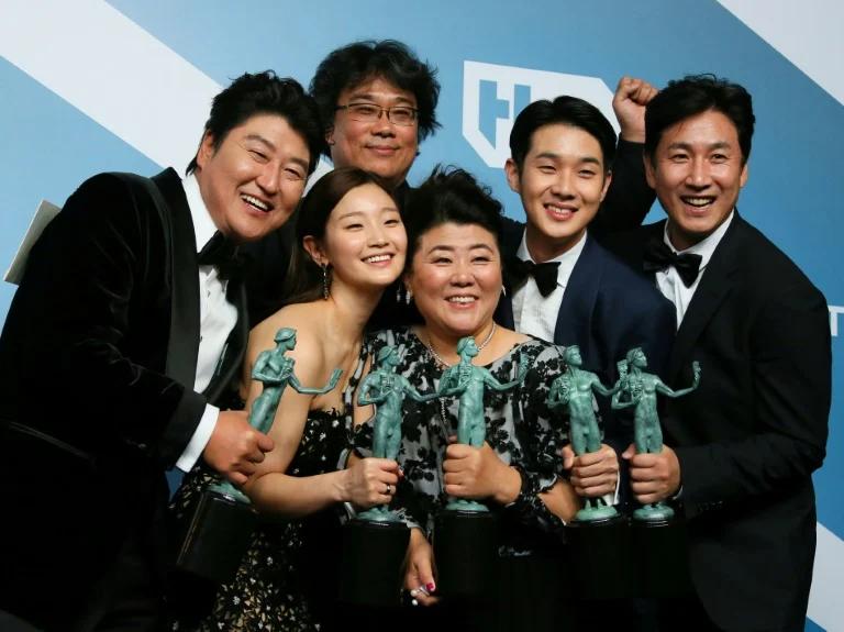 Đạo diễn Bong Joon Ho tiết lộ chi phí nội thất đắt đỏ được sử dụng trong Parasite 11