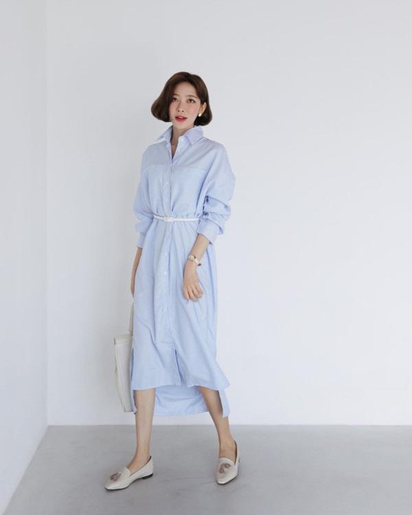 Những chiếc váy ôm vừa phải với đường thắt eo nhẹ chẳng những giúp giấu dáng hiệu quả mà còn góp phần tôntỷ lệ cơ thể trở nên cân đối, thon gọn và cao ráo hơn.