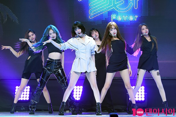 Góc thắc mắc: 'Núi đồ' của Idols Kpop sẽ như thế nào sau khi biểu diễn? 2
