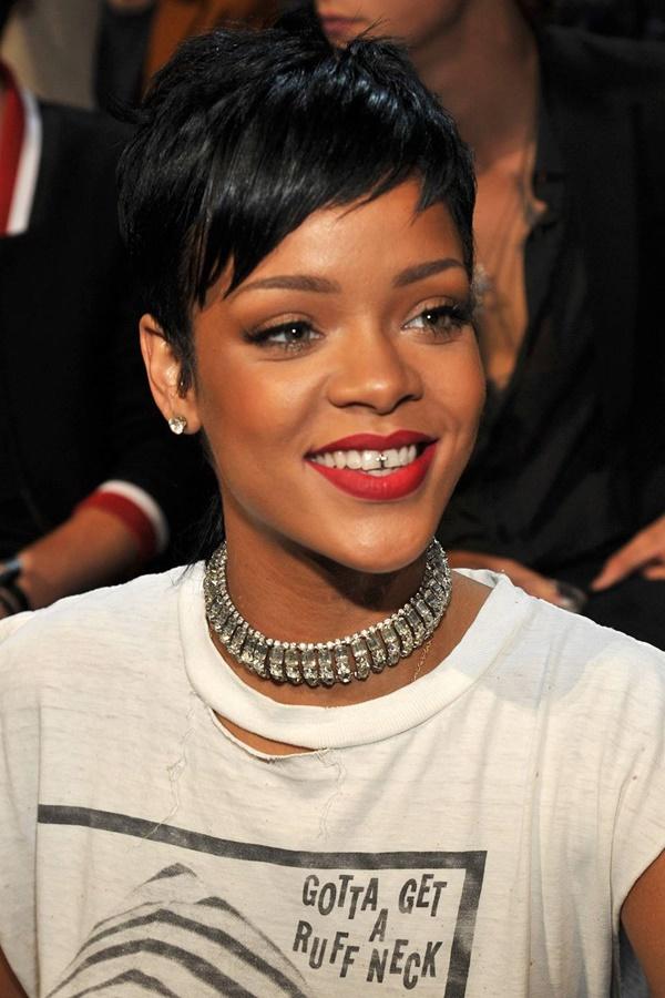 Giọng ca 'Diamond'- Rihanna....