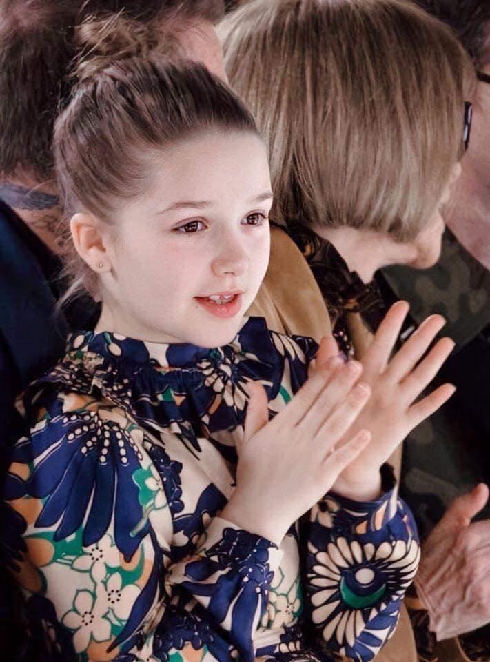 Nhan sắc cực phẩm tựa công chúa ở tuổi thứ 9 của Harper Beckham 3