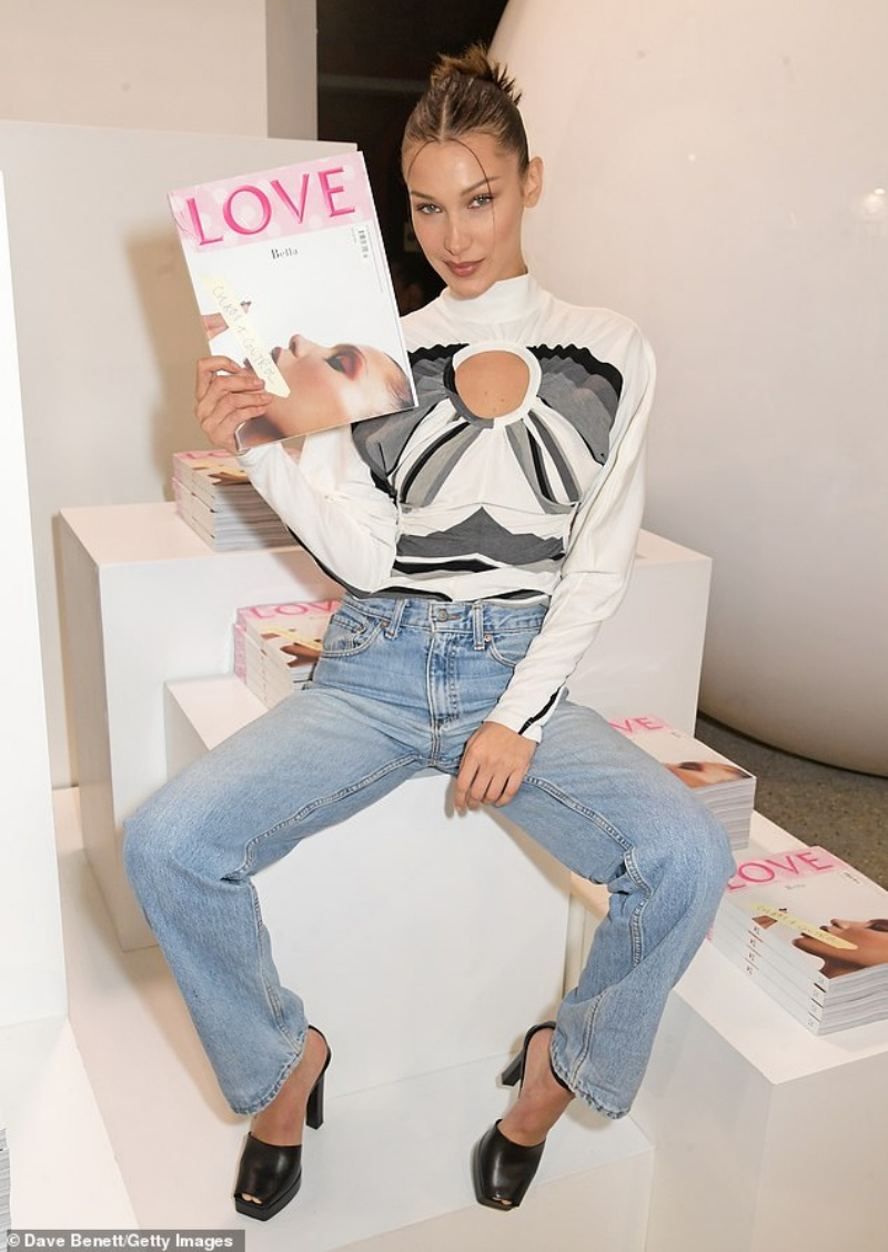 Bella Hadid lại gây thất vọng khi xuất hiện tại sự kiện với một style khá 'thường'.
