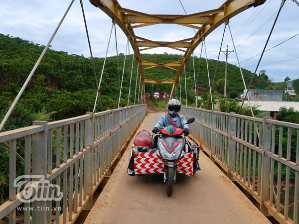 Khám phá Việt Nam bằng xe ba bánh, chàng 'phượt thủ' lan truyền sự lạc quan đến cộng đồng yêu du lịch 4