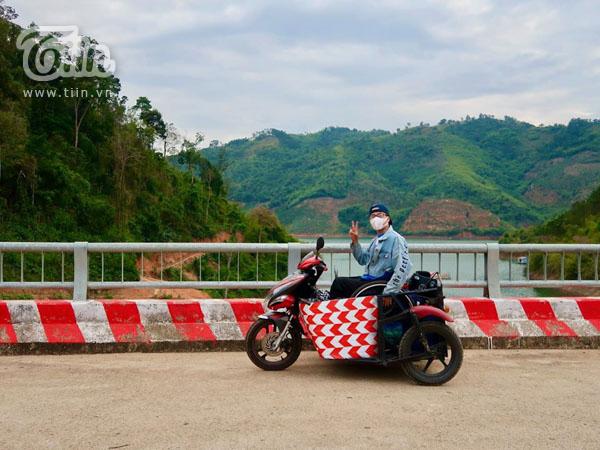 Khám phá Việt Nam bằng xe ba bánh, chàng 'phượt thủ' lan truyền sự lạc quan đến cộng đồng yêu du lịch 5
