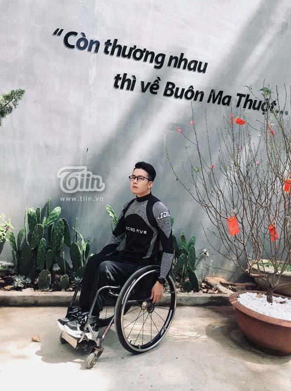 Khám phá Việt Nam bằng xe ba bánh, chàng 'phượt thủ' lan truyền sự lạc quan đến cộng đồng yêu du lịch 0