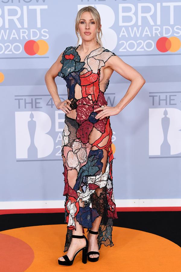 Ellie Goulding xuất hiện với bộ cánh hở bạo khoe body cực kỳ 'nuột',