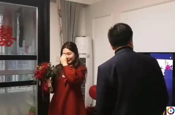 Nước mắt hạnh phúc của cô dâu khi hôn lễ hoàn thành