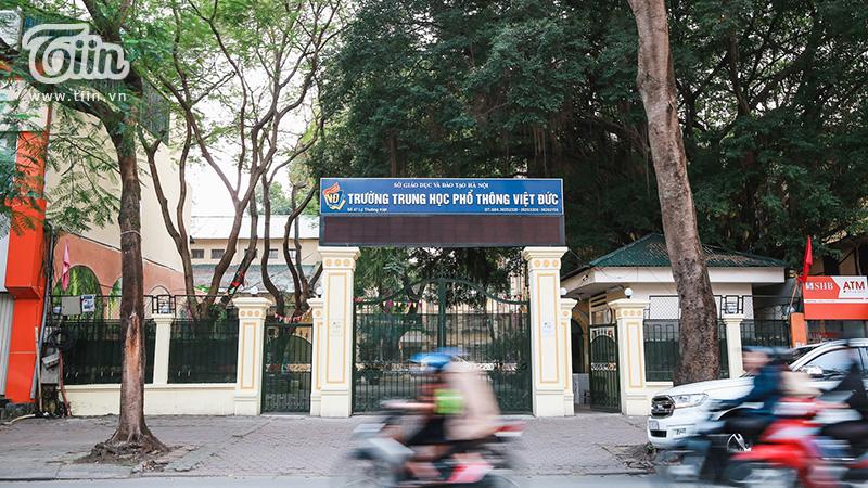 Hoạt động học tập, vui chơi tạm ngừng trước dịch đã biến ngôi trường nhiều hot boy, hot girl nhất Hà Nội cũng chìm trong yên lặng