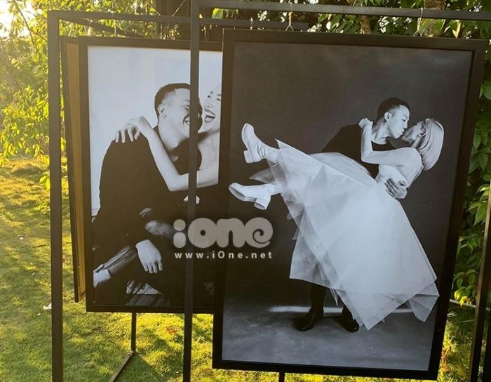 Ảnh cưới được đặt tại sân vườn, nơi tiếp đón bạn bè thân thiết. Ảnh: Ione.vnexpress.net